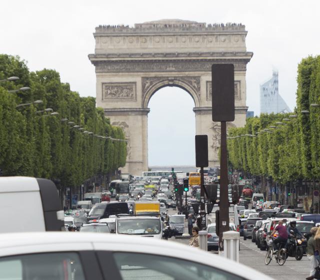 f2_Arc de Triomphe_P12709070051